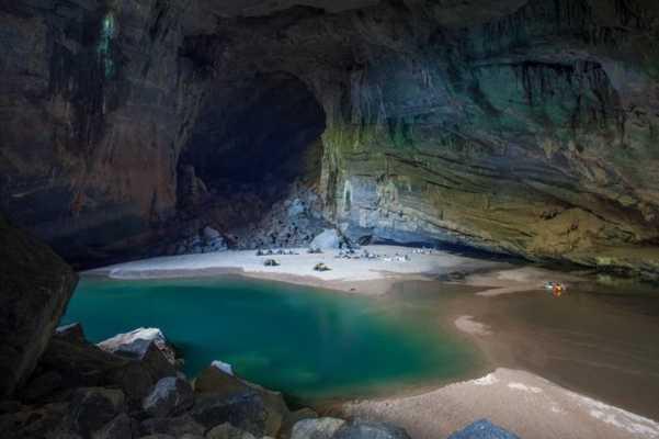 Пещера Шондонг, Вьетнам. Река внутри